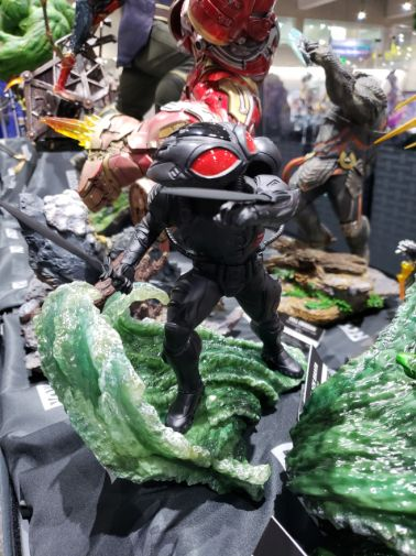 aquaman-sideshow-toy-vs-black-manta-2-e1531944208941
