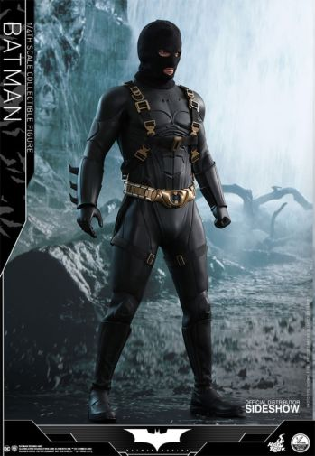 dc-comics-batman-begins-batman-quarter-scale-hot-toys-903127-21