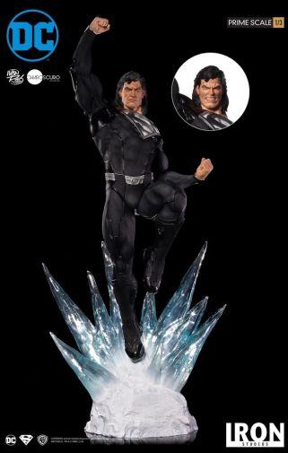 Iron Studios - DC Comics - Superman - Black Suit - 01