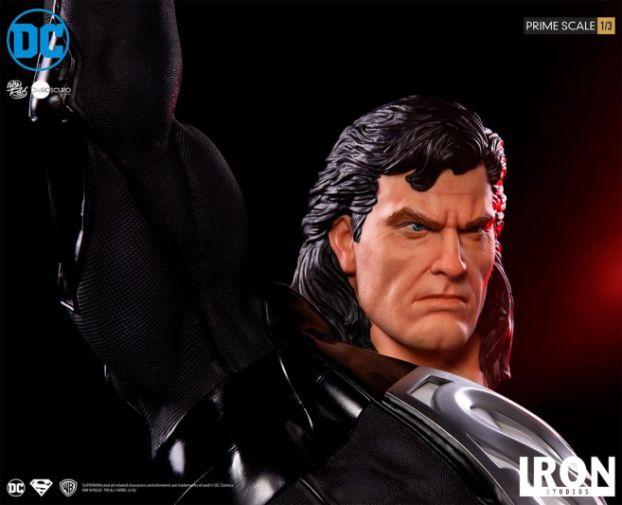 Iron Studios - DC Comics - Superman - Black Suit - 16