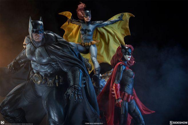 Sideshow - Batman - Batgirl Premium Format Figure - 33