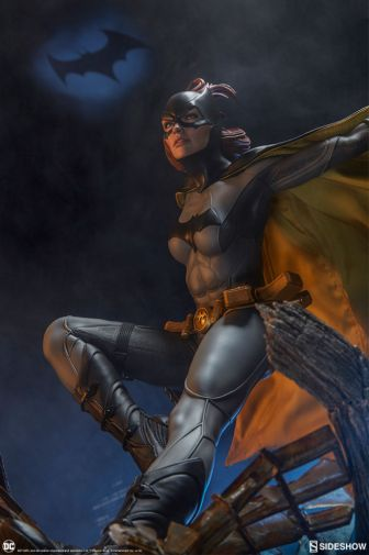 Sideshow - Batman - Batgirl Premium Format Figure - 34