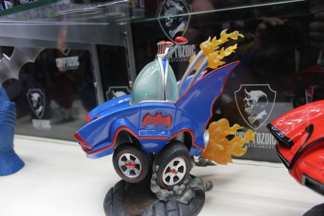 Cryptozoic - Toy Fair 2019 - 66 Batmobile Hot Rod - 01