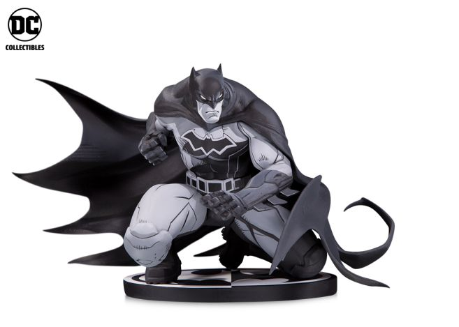 DC Collectibles - Toy Fair 2019 - Batman Black and White - Batman Madureira - 01