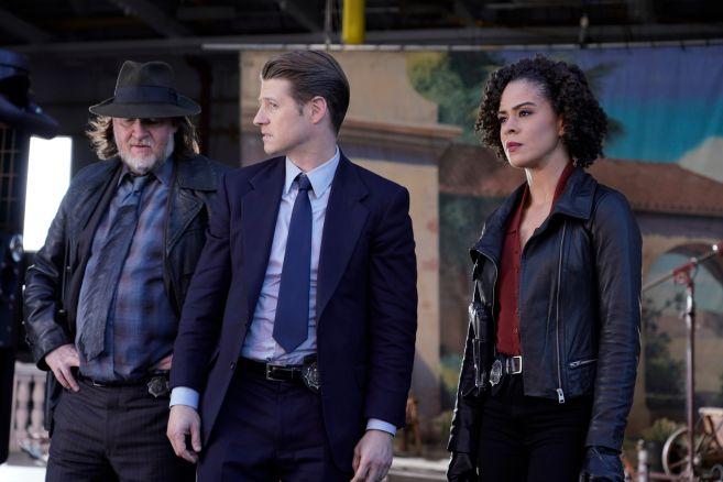 Gotham - Season 5 - Ep 07 - 01