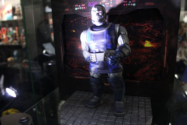 Mezco - One 12 - Toy Fair 2019 - Darkseid - 01