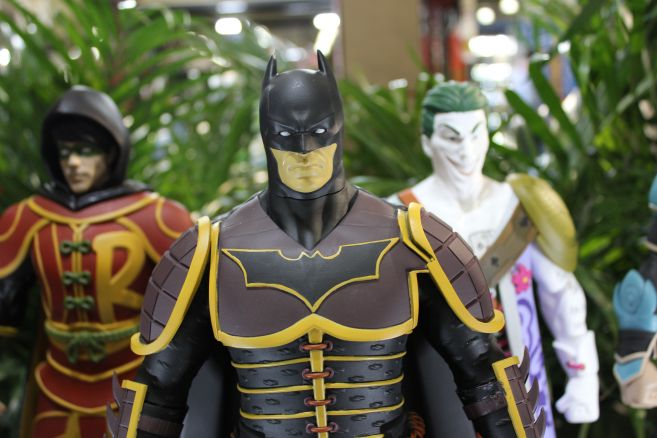Poplife - Toy Fair 2019 - DC Armor Figures - 06