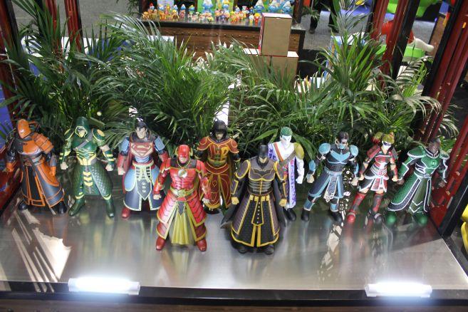Poplife - Toy Fair 2019 - DC Armor Figures - 14