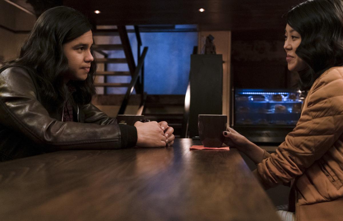 Iris is in danger in new The Flash episode photos   Batman News