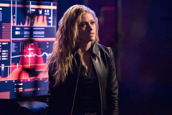 Arrow - Season 7 - Ep 18 - 01