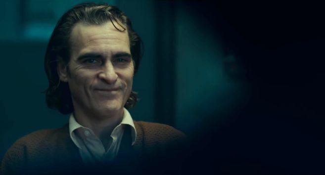 Joker - Trailer 1 - 04