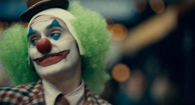 Joker - Trailer 1 - 12
