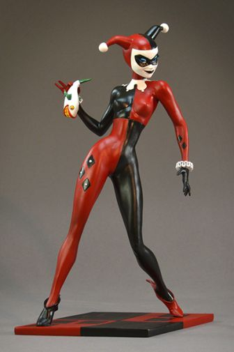 DST - SDCC Exclusives 2019 - DC Premier Collection - Harley Quinn Gem Edition Statue - 01