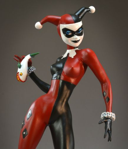 DST - SDCC Exclusives 2019 - DC Premier Collection - Harley Quinn Gem Edition Statue - 04