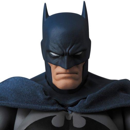 Medicom - MAFEX - Batman Hush - 03