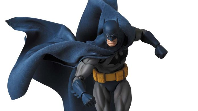 Medicom - MAFEX - Batman Hush - 16-9 featured