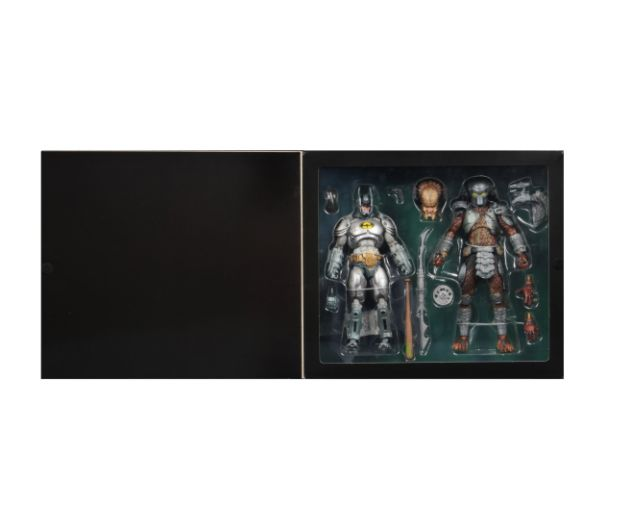 NECA - 2019 Convention Exclusives - Batman vs Predator 2-Pack - 04