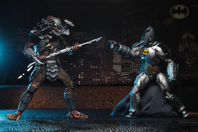 NECA - 2019 Convention Exclusives - Batman vs Predator 2-Pack - 12