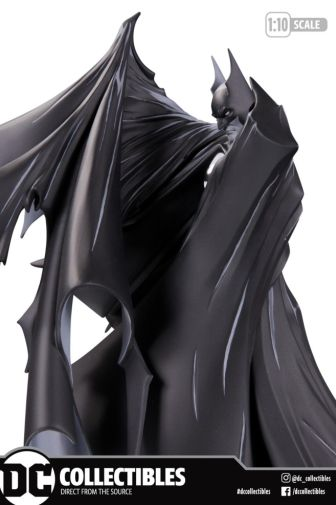 DC Collectibles - Black and White - Statue 100 - Todd McFarlane - 02