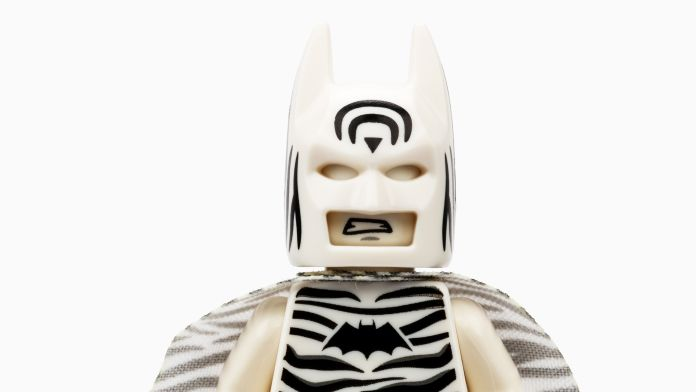LEGO - SDCC 2019 Exclusives - Zebra Batman - Featured