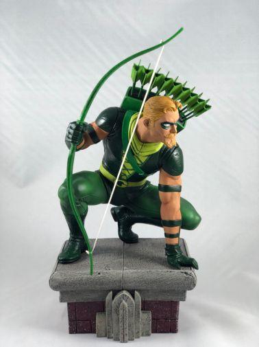 diamond-select-toys-comic-gallery-green-arrow1