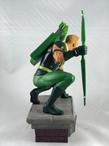 diamond-select-toys-comic-gallery-green-arrow5