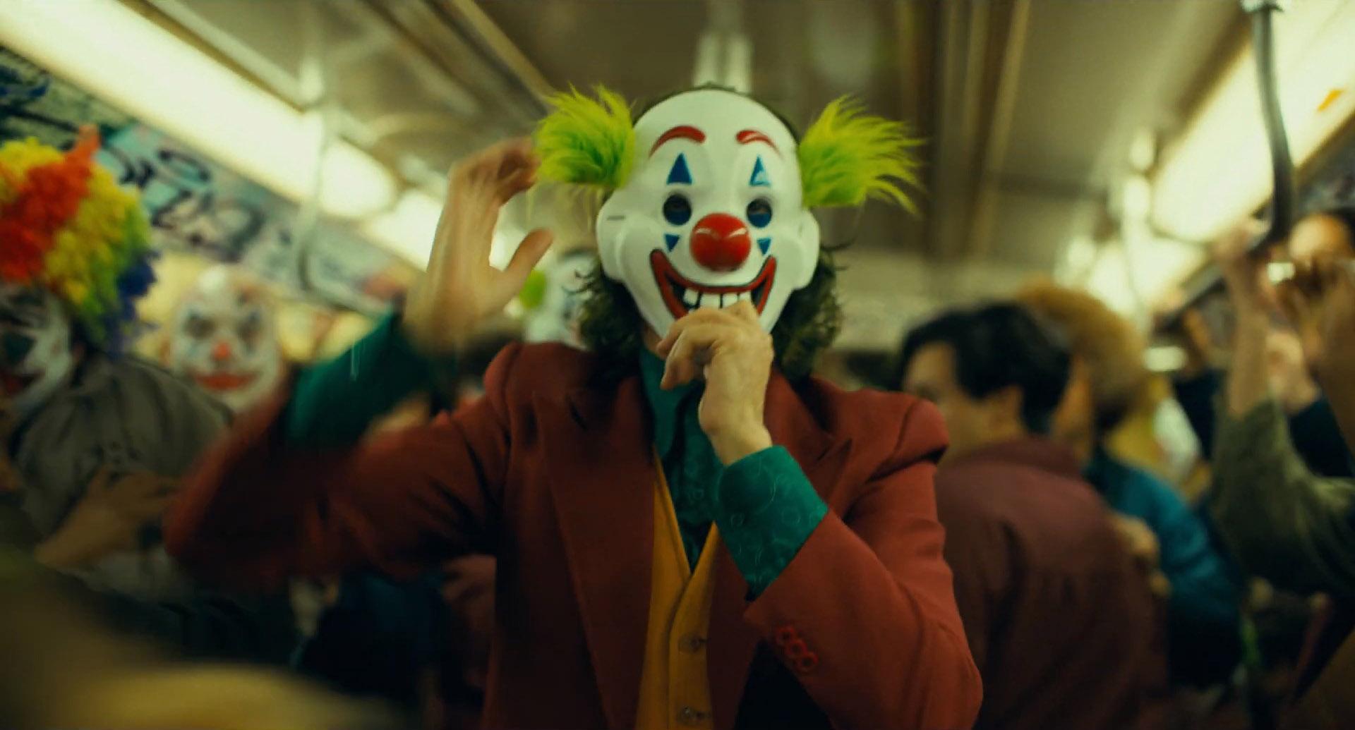 Kết quả hình ảnh cho joker 2019 clowns crowd