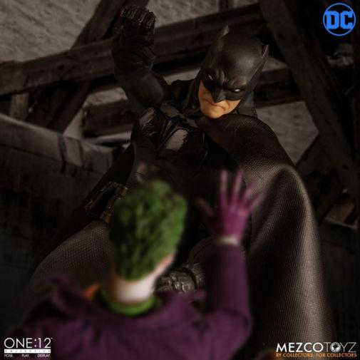 Mezco Toyz - Batman Supreme Knight - 10