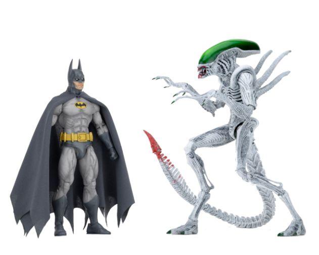 NECA - 2019 Convention Exclusives - Batman vs Alien 2-Pack - 03