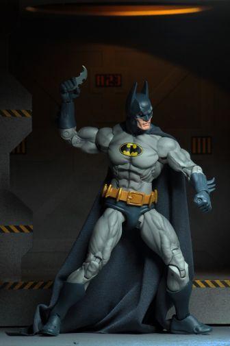 NECA - 2019 Convention Exclusives - Batman vs Alien 2-Pack - 09