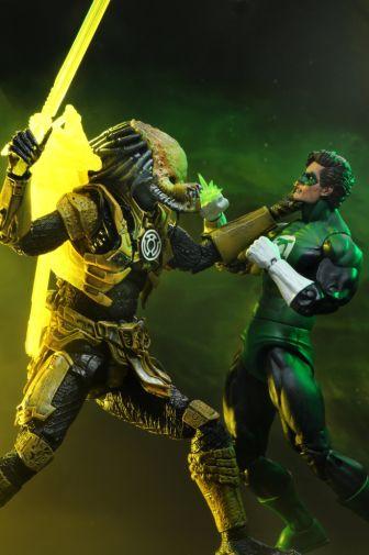 NECA - 2019 Convention Exclusives - Green Lantern vs Predator 2-Pack - 03