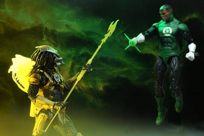 NECA - 2019 Convention Exclusives - Green Lantern vs Predator 2-Pack - 04