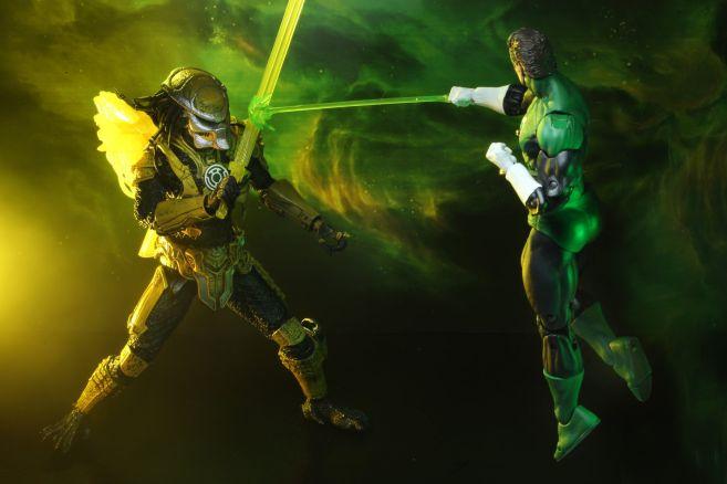 NECA - 2019 Convention Exclusives - Green Lantern vs Predator 2-Pack - 05