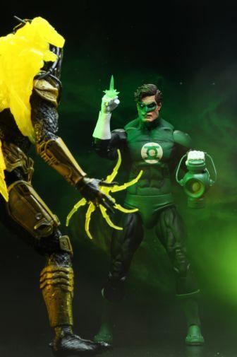 NECA - 2019 Convention Exclusives - Green Lantern vs Predator 2-Pack - 13