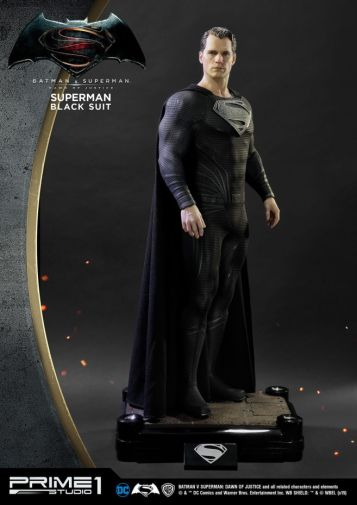 Prime 1 Studio - Superman - Black Suit Superman - 01