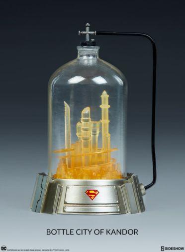 Sideshow - Superman - Sixth Scale Figure - 09