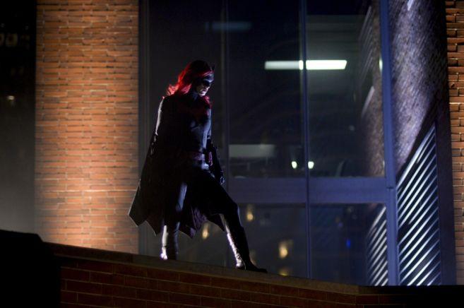 Batwoman - Season 1 - Ep 04 - 06