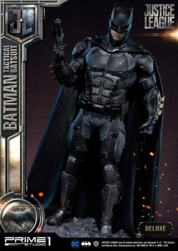 Prime 1 Studio - Justice League - Batman Tactical Batsuit - 06