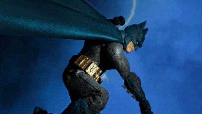 Mezco Toyz - Batman Supreme Knight - Previews Exclusive - Featured - 01