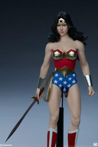 Sideshow - Wonder Woman - Sixth Scale Figure - 05