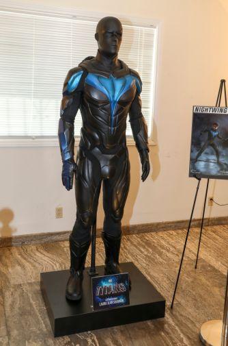 Titans - Season 2 - Nightwing Costume - 01