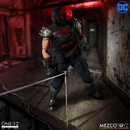 Mezco Toyz - Batman - KGBeast - 04