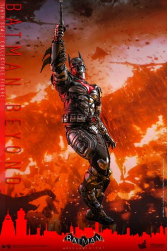 Hot Toys - Arkham Knight - Batman Beyond - 17