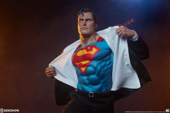 Sideshow - Superman - Call to Action Premium Format Figure - 06