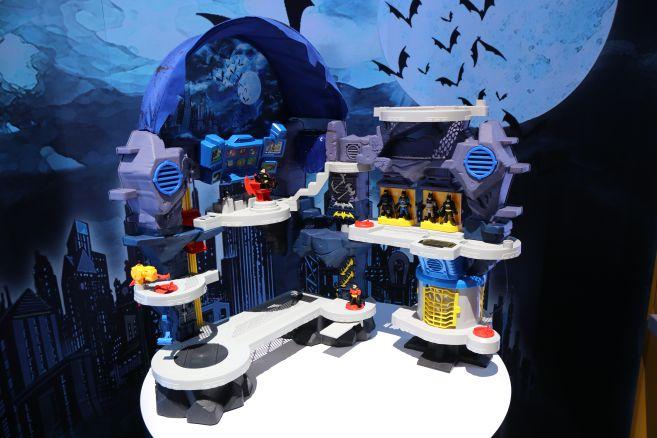 Mattel - Toy Fair 2020 - Imaginext - Batcave - 01