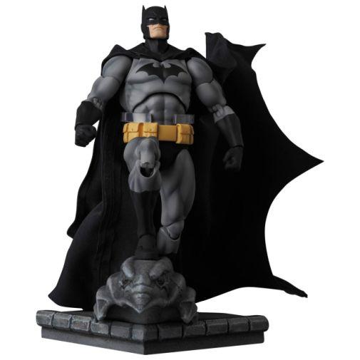 Medicom - MAFEX - Batman Hush - Black and Gray Suit - 02