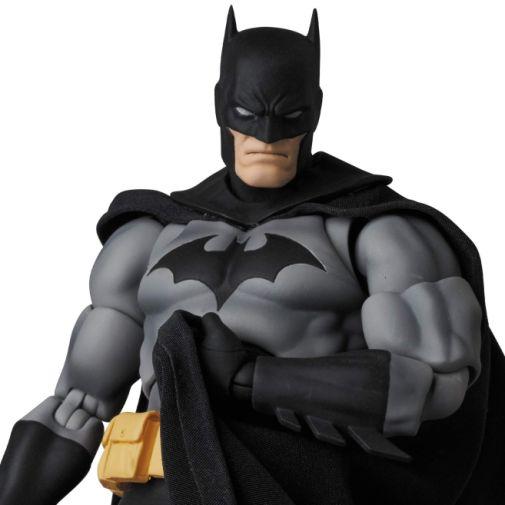 Medicom - MAFEX - Batman Hush - Black and Gray Suit - 04