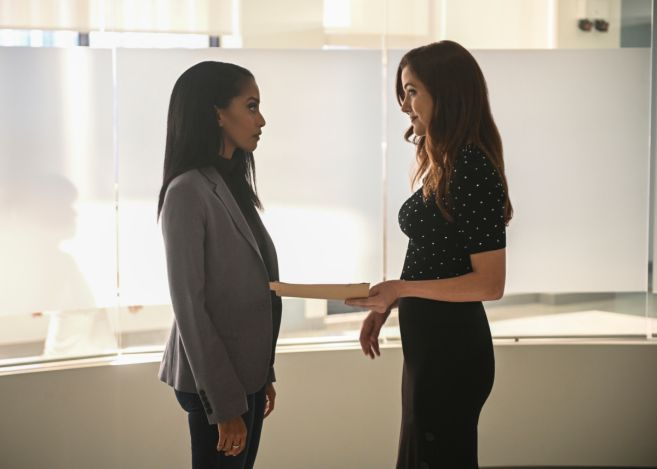 Supergirl - Season 5 - Ep 16 - 11