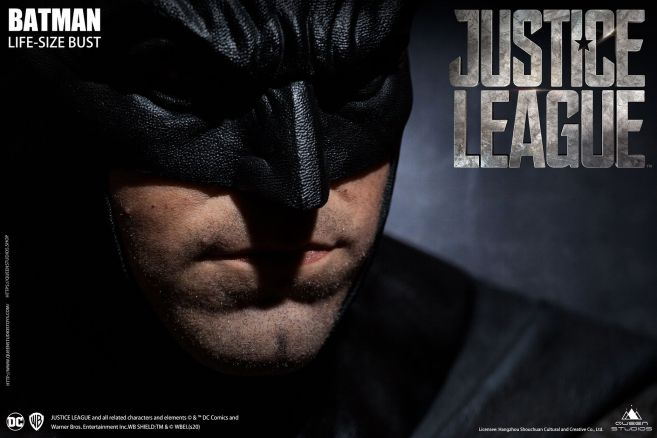 Queen Studios - Justice League - Batman - Life-Size Bust - 09