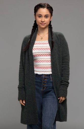 Stargirl - Season 1 - Gallery - Yvette Monreal as Yolanda Montez - 01